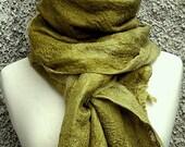 FELTFIELTROFILC  moss green silk scarf wrap