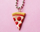 Pizza Necklace - Pepperoni Pizza  (D1B1)