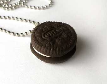 Oreo Cookie Necklace  (D1D3)