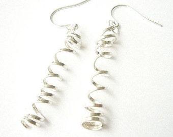 Corkscrew earring, Infinity, sterling silve, light, medium, delicated, femenine, gift, cheap