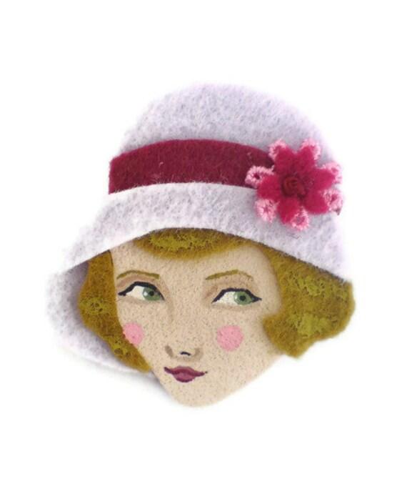 Retro Girl Felt Brooch, Fabric Brooch, Art Brooch, Wearable Art Jewelry, Mother's Day Gift