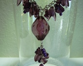 Vintage Lavender Lucite Oval Pendant Beaded Necklace