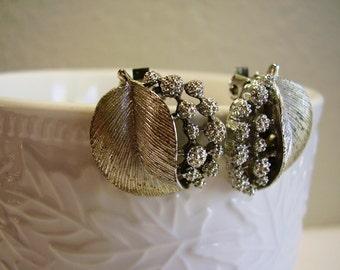 Silver Leaf Earrings, Leaf Clip On Earrings, 50's Lisner Silver Leaf Earrings,Vintage Signed Lisner Silver Tone Leaf Clip On Earrings