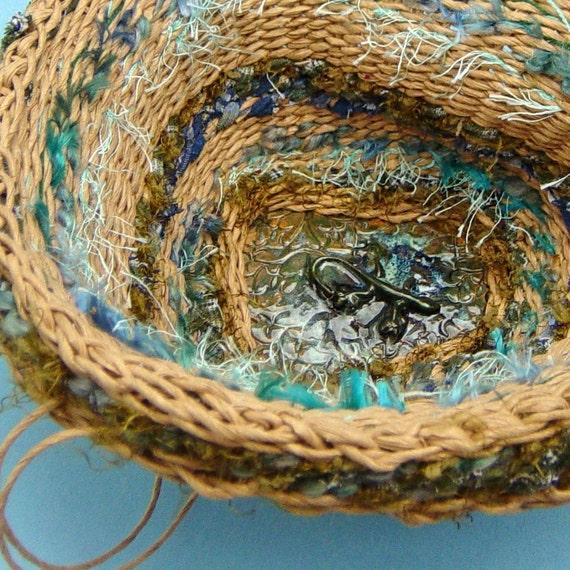 Basket, upcycled fibers, Recycled Weaving, Lizard