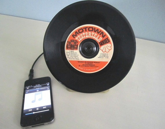 Record Amp and Speaker for iPod, iPhone, and any other MP3 Player (MOTOWN - Stevie Wonder)