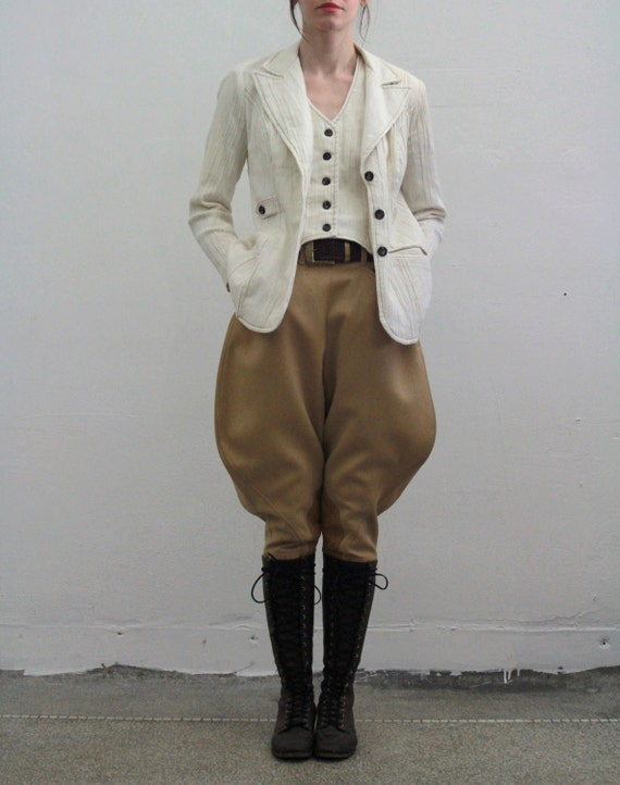ON HOLD ... Vintage Jodhpurs . Wool Pant . Suede Knee Patch . Equestrian