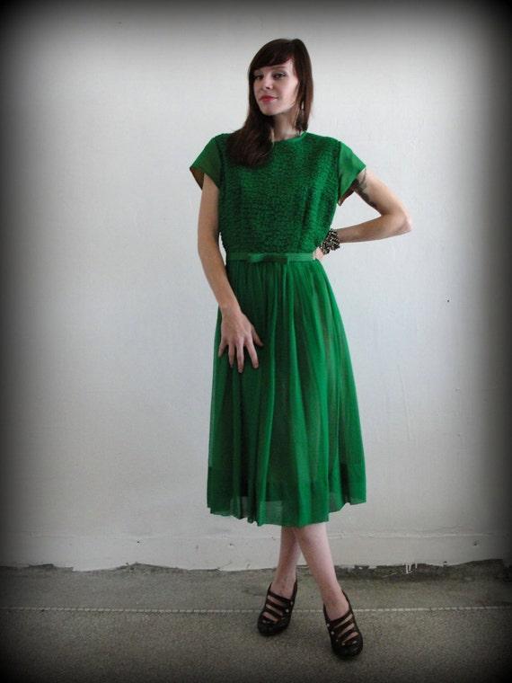 1950s Chiffon Gown . Kelly Green Cocktail Attire . Jack Mann . Mid Century