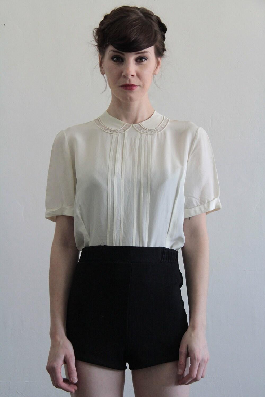 b019a6286331c Vintage blouse peter pan collar pin tucks button jpg 1000x1500 Peter pan  collar blouse