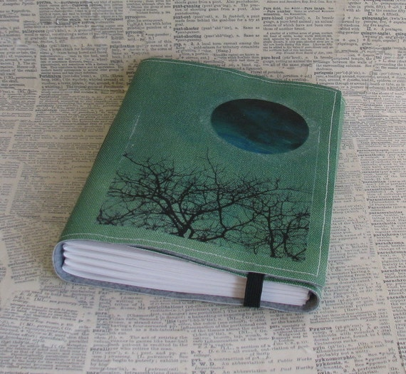 wandering thoughts tri fold journal mid size