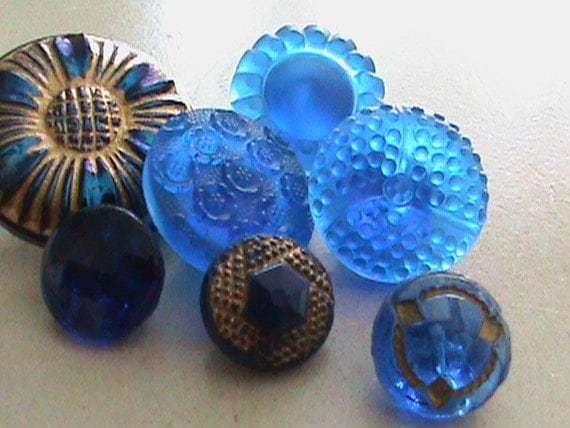 Vintage Buttons - Czech Glass beautiful  dark cobalt blue, hand painted. mix of 7 - (lot 511)