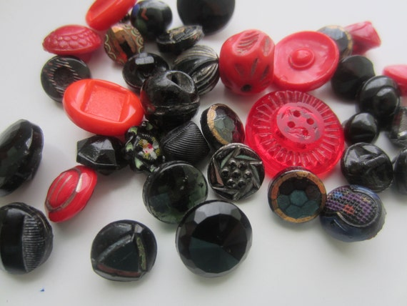 Vintage Buttons - tiny to small glass novelty asortment. very unique styles, red and black lot of 45 plus (lot 1057)