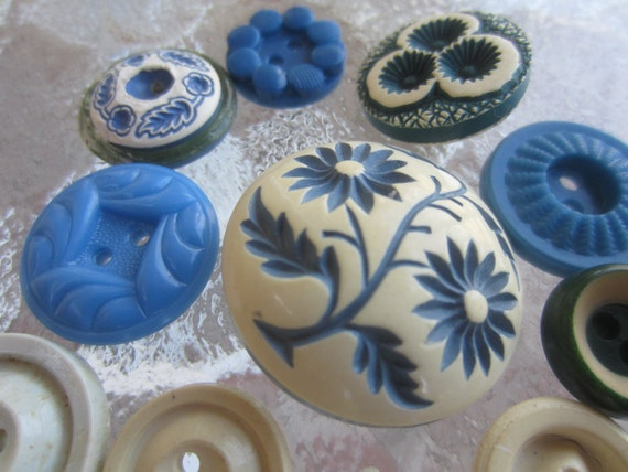 Vintage Buttons - Cottage chic mix of  corn flower blue and off white, old and sweet - 12 total (1214)