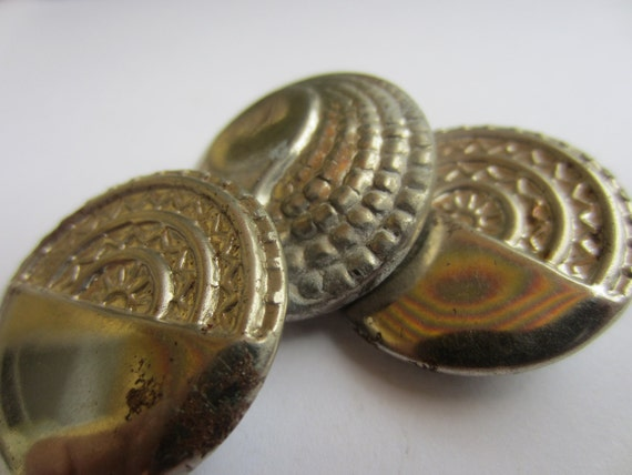 Vintage Buttons - Collector silver metal unique old buttons, pressed designs, lot of 3 (lot 1669)