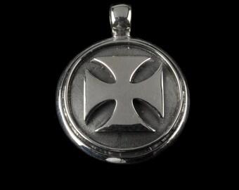 Maltese Cross Pendant, B.C. Silver Collection       6403S