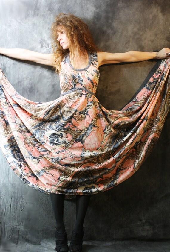 Vintage 1970s Hippie Mama Picasso Marble Swirl Dress . Huge Sweep Renaissance Maiden FLASH SALE ends Monday 11PM 50.00 reg 78.00