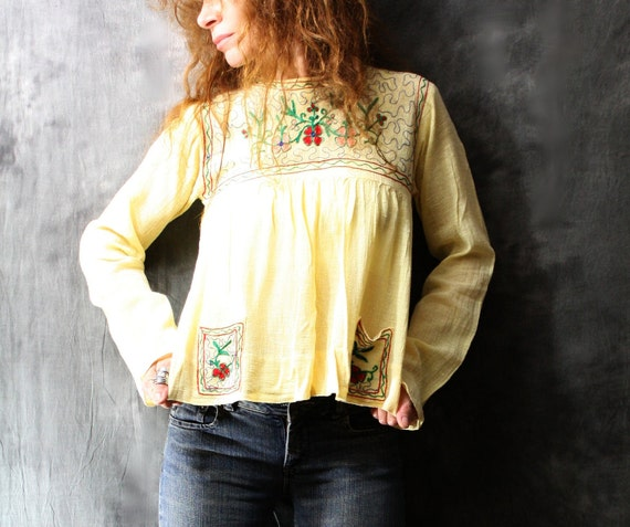 Vintage 1970s Hippie India Baby Doll Shirt Top, Embroidered Gauze with Cute Pockets, Sunny Yellow Cotton