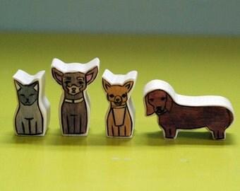 Custom Wooden Star House Pet Likeness- Four Pets