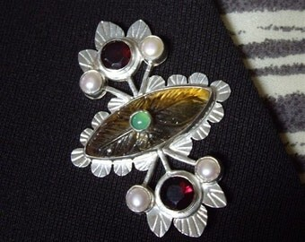 1890's vintage-look Leaf Pattern Carved Yellow Citrine, Red Garnets, White Pearls, Apple Green Chrysoprase, Hammered Silver, Flower, Moulin
