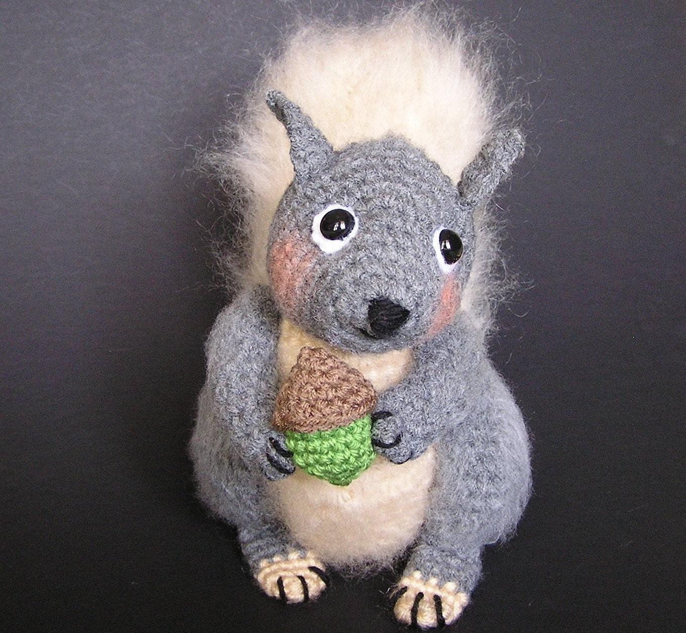 Amigurumi Squirrel Crochet Pattern : Pdf Crochet pattern SIDNEY SQUIRREL