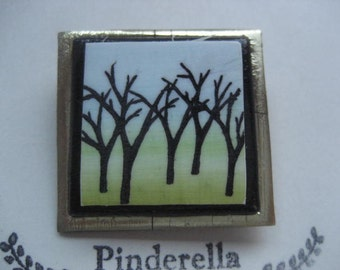 Tree silhouette pin