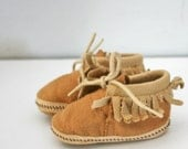 vintage 70s Little Fabric Baby Moccasins