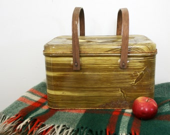 vintage 50s Faux Bois Metal Picnic Basket with Plastic Cups and Plates
