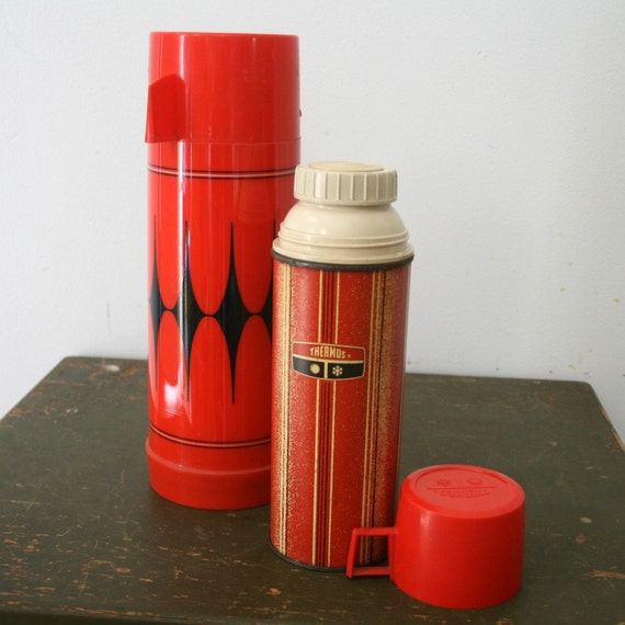 Pair of Red Retro Thermoses