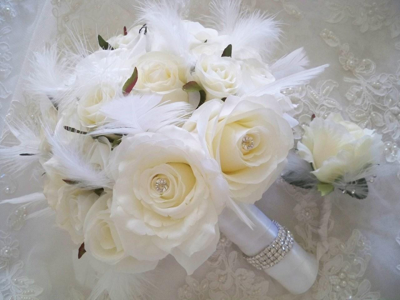 Wedding Bouquets Ideas: ROSES AND RHINESTONES WINTER WHITE BRIDAL BOUQUET SET