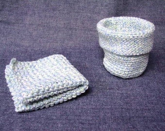 Hand Crocheted Washcloth and Cup Spa Set (NEW)
