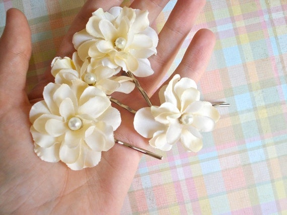 ivory flower hair clips - CONFECTIONS - cream, bridal, wedding accessories
