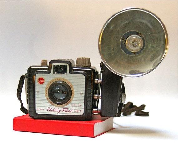 Kodak Brownie Holiday Flash Vintage Camera outfit
