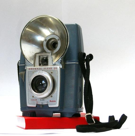 vintage kodak brownie flash 20 camera 1959 1962 sale. Black Bedroom Furniture Sets. Home Design Ideas
