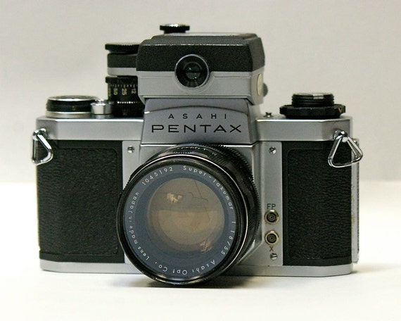 Vintage Asahai Pentax  SV 35mm Film Camera with removable Pentax light meter