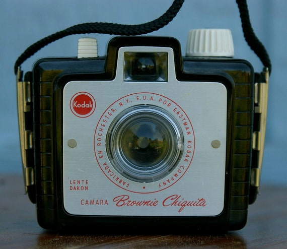 Uncommon Vintage Kodak Brownie Chiquita box camera 1957-1964