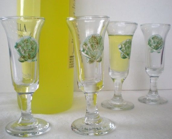 Limoncello glasses painted with scallop shells set of 4