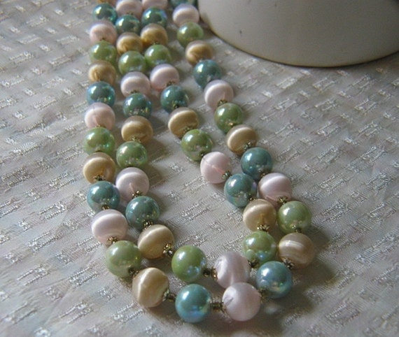 Vintage Double Strand Pastel Pearl Necklace