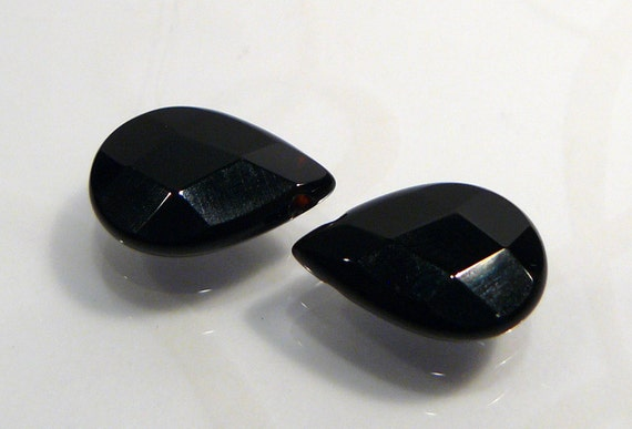 2 Beads....Black Onyx Faceted Briolette Gemstone Beads....14x10mm...BB