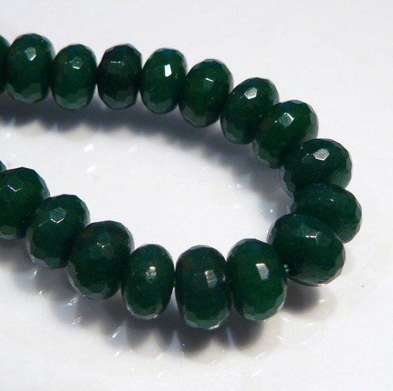 8 Beads...Emerald Green Jade Faceted Rondelle Gemstone Beads....6mm...BB
