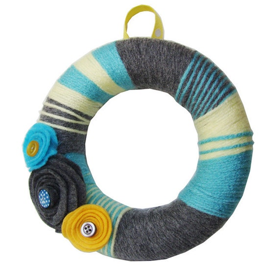 Yarn Wreath Home Decor- Sun, Sea, Fog Mini