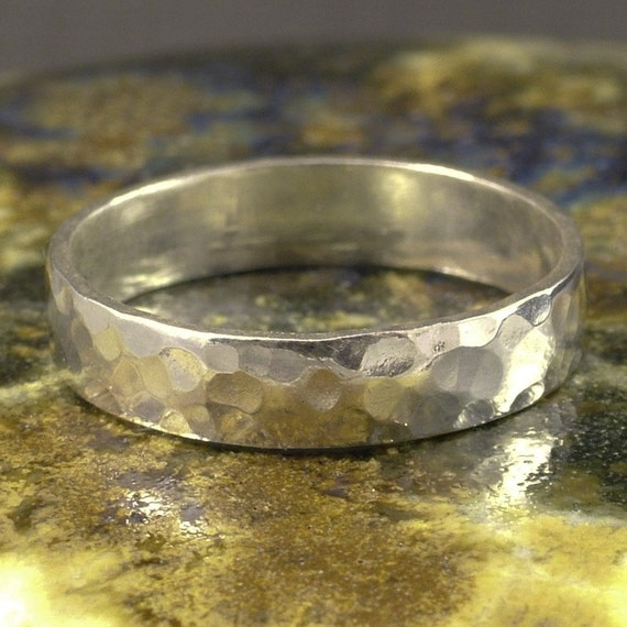 Hammered Silver Band / Argentium Sterling Ring / Solid and Simple / Ladies or Men / Personalize with a Message