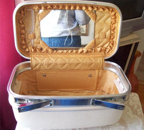 Makeup Train Case White Holiday Luggage Travel Vanity Yellow