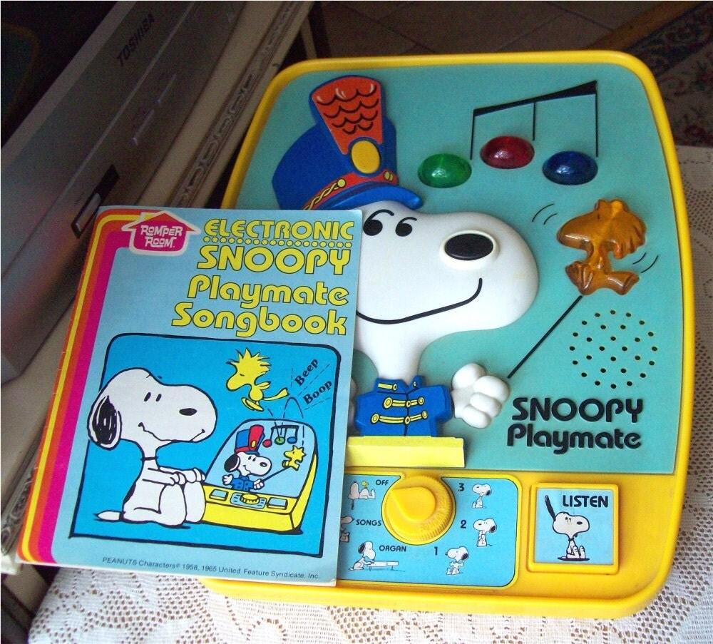 Snoopy Playmate W Songbook 1980 Music Lights Hasbro Romper