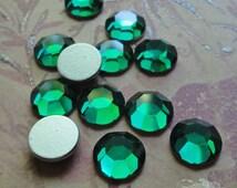 Art 2000 Vintage Swarovski Flatback Rhinestones 42ss/ 9mm Emerald (choose 6 pc or 12 pc)