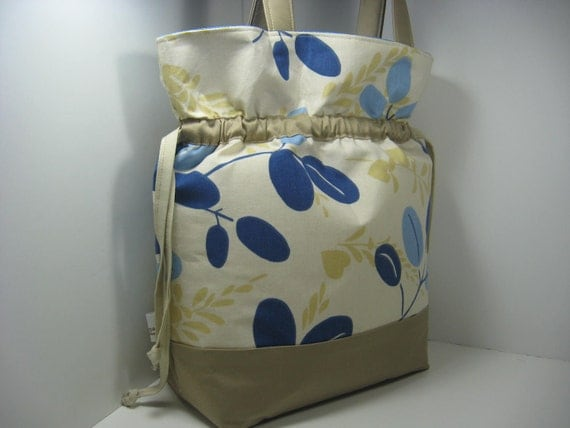 Insulated Lunch Bag Tote, Large - Cute Khaki and Blue