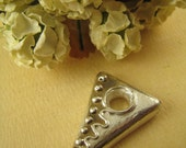 TWISTED TRIANGLE Fine Silver Over Porcelain Jewelry Component