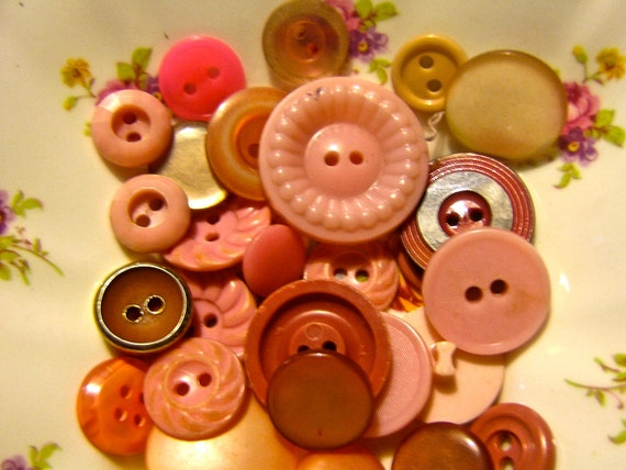29 vintage pink buttons, glass, hard plastic and metal   drw84  Little girl mix