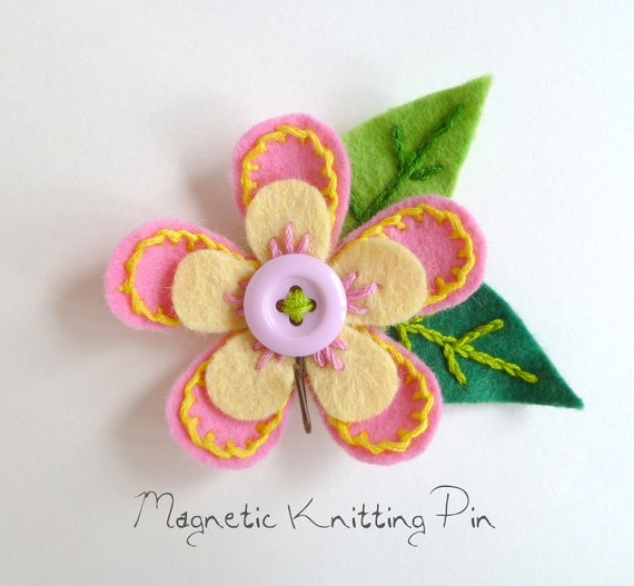Magnetic Portuguese Knitting Pin - Pink and Yellow