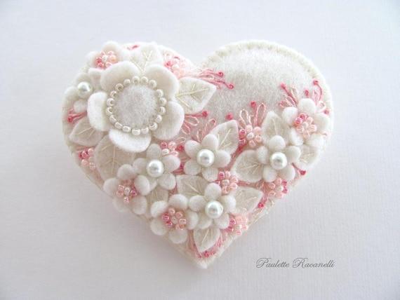 Felt Heart Pin / Felt Brooch