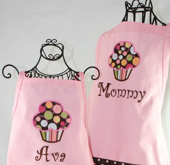Mommy & Me Personalized Apron Set, Matching personalized apron, Mother Daughter Apron, Pink Yummy Cupcake 2 PC Apron Set