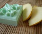 GREEN APPLE BLOSSOM FLEUR DE LIS HANDMADE SOAP